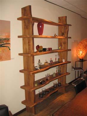 Gewaterd iepenhout met organisch gevormde planken